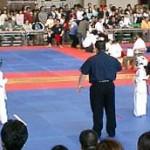 宮腰七恵ちゃんの1回戦。 上段回し蹴りで技有り。