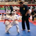 宮腰慶太君も上段への蹴りでたくさん技有りをとりました。