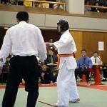 パワーのある突きを得意とする相川選手(右)