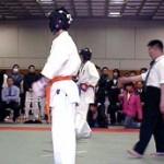 最初の試合は須川君。