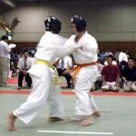 道場で一番スタミナ稽古をしていた三浦選手(左)。最後まで自分の組手スタイルを崩さずに闘いました。