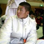 中学生ながら、一般の部の試合で勝利を飾った野村選手。