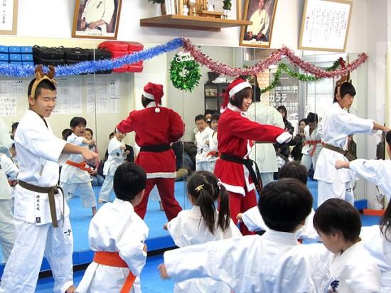 極真空手溝の口道場 幼年部クリスマス会